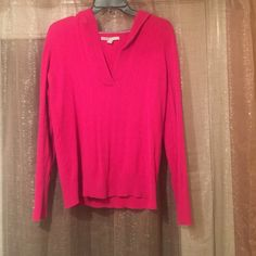 Old Navy hot pink cable knit sweater sz L Stretchy material. Will fit size 14/16. Cable knit, hooded sweater. Good condition, smoke free home. Old Navy Sweaters V-Necks