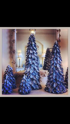 Mussel shell Christmas trees