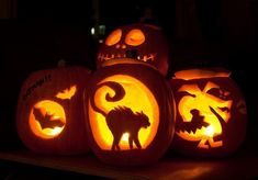 Jack-O-Halloween is one of the most festive and intriguing part of the entire season. Here is a list of easy to carve Halloween pumpkin for 2016 Halloween. Funny Pumpkin Carvings, Amazing Pumpkin Carving, Pumpkin Carving Patterns, Halloween Jack, Halloween Pumpkins, Halloween Decorations, Halloween Ideas, Halloween Party, Happy Halloween
