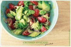 crushed advocado salad mmm Good Food, Yummy Food, I Feel Good, Feel Better, Guacamole, Salads, Avocado, Healthy Eating, Gluten Free