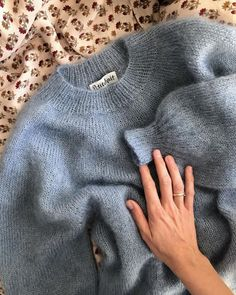 Cozy Sweaters, Sweaters For Women, Mohair Sweater, Big Sweater, Mode Inspiration, Sweater Outfits, Knit Patterns, Sweater Weather, Knitwear