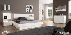 Apuesta por muebles en colores claros que destaquen sobre los tonos oscuros de pared y suelo, en un dormitorio con la decoración justa #NOX