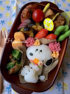 Winnie the Pooh omelet bento brunjuliette/bento-lunches/ so much more! Bento Kawaii, Cute Bento, Japanese Lunch Box, Japanese Food, Rilakkuma, Bolo Olaf, Bolo Moana, Amazing Food Art, Bento Recipes