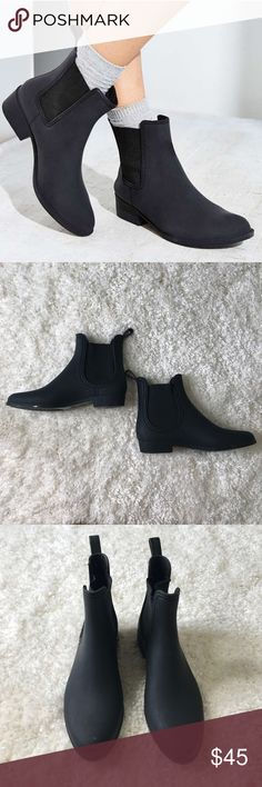 Jeffrey Campbell all black ankle rubber rain boots In great condition rubber rain boots by Jeffery Campbell. Shoes have been worn and does have some peeling on both shoes as seen in photo. Still a great pair of boots with lots of life left. Jeffrey Campbell Shoes Winter & Rain Boots