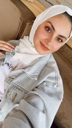 Hijab Outfit, Jeans, Jackets, Outfits, Fashion, Down Jackets, Moda, Suits, Fashion Styles