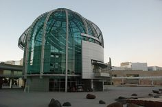 City Hall, San Jose, by Richard Meier Unusual Buildings, Amazing Buildings, Modern Buildings, Angular Architecture, Contemporary Architecture, Architecture Design, Architectural Sculpture, Unusual Homes, Capitol Building