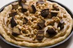 Banana overload pizza from Daydreamer desserts-peanut butter,heavy cream,honey,salted peanuts,peanut butter chips,mini reese's, sugar