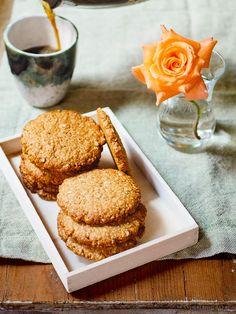 English Muffins, Tahini, Scones, Biscuits, Snacks, Cookies, Breakfast, Inspiration, Crack Crackers