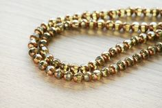 Electroplate Glass Beads - 40 pcs of Unique Red copper plated glass beads - Yellow - faceted round shape - 6mm