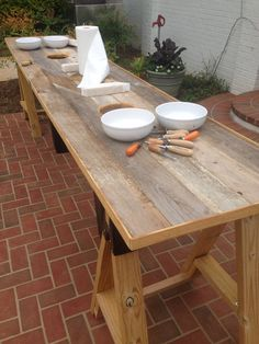 Oyster Table Luau Food, Shucking Oysters, Grill Table, Raw Bars, Oyster Bar, Oyster Shells, Low Country, Outdoor Cooking, Farmhouse Table