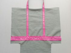 Tut bag VB way - Knitting 02 Vanessa Bruno Bag, Diy Bags Purses, Evolution T Shirt, Creation Couture, Couture Sewing, Couture Bags, Sewing Tutorials, Two Piece Skirt Set, Fabric
