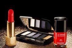 Chanel Holiday 2014 Makeup Collection: http://sonailicious.com/10-holiday-2014-nail-polish-collections/