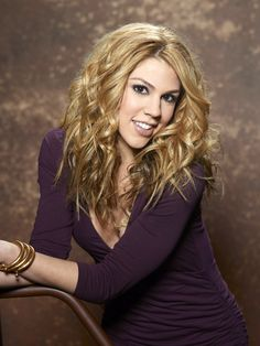"""Kate Mansi as Abigail Deveraux ; omg her hair looks gorgeous over here! i love the """"Tori Kelly"""" curls! :D <3"""