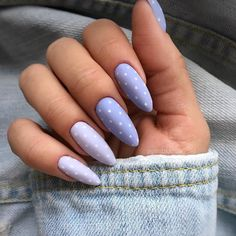30 Best Spring Nail Art Designs 2019 - Light up your look this spring with dynamic pink nails like these. Not exclusively are the nails painted in jazzy pink, yet they additionally have a f. Almond Acrylic Nails, Summer Acrylic Nails, Best Acrylic Nails, Spring Nails, Almond Nail Art, Almond Shape Nails, Nail Manicure, Manicures, Shellac Nails