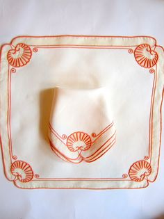 Queen Anne Placemat and Napkin set