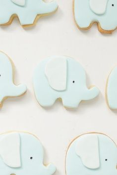 Elephant cookies by hello naomi Baby Cookies, Baby Shower Cookies, Cute Cookies, Cupcake Cookies, Cookies Kids, Sugar Cookies, Hello Naomi, Little Elephant, Cute Elephant