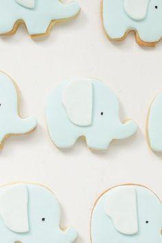 Elephant cookies by hello naomi Baby Cookies, Baby Shower Cookies, Cute Cookies, Cupcake Cookies, Cookies Kids, Sweet Cookies, Sugar Cookies, Hello Naomi, Little Elephant