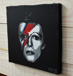 Quadro do cantor David Bowie em tecido artístico 100% algodão com pintura em tinta acrílica, tecnica de stencil.  Envernizado para melhor proteção e durabilidade.    #art #stencil #quadro #NTSart #artistic
