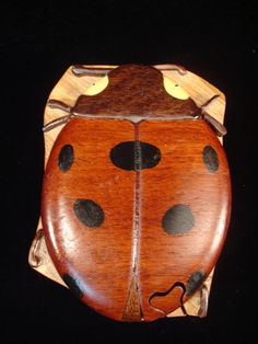 Hand Carved Wood Art Intarsia LADYBUG Puzzle par MyHeritageUSA