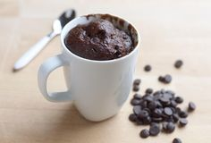 Recept voor Mug Cake met Chocolade Mug Recipes, World Recipes, Great Recipes, Mug Cake Au Chocolat, Cake Mug, Chocolate Delight, Chocolate Mug Cakes, Dessert Cups, Food Gifts