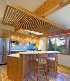 Потолок со встроенными лампами