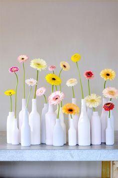 The 10 Secrets of The Gerbera . Bottle Painting, Bottle Art, Bottle Crafts, Summer Flowers, Fresh Flowers, Beautiful Flowers, Flowers Garden, Exotic Flowers, Purple Flowers