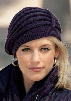 Элегантная вязаная шапочка