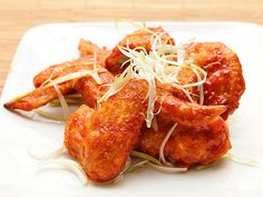 Sweet And Spicy Chili Sauce For Korean Fried Chicken recipe from Serious Eats. Korean Fried Chicken, Fried Chicken Recipes, Tandoori Chicken, Asian Chicken, Chicken Meals, Wing Recipes, Sauce Recipes, Asian Recipes, Ethnic Recipes