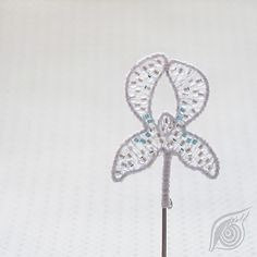 minibrooch Iris; nycrame; by Nady (http://www.nady.cz/broze/minibroz-iris-snezny-96/)