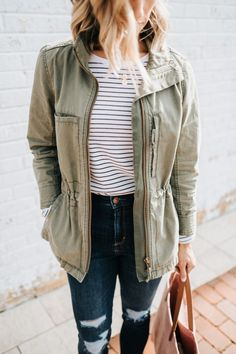 5 Style Basics You Need In Your Closet | what to wear for spring | style basics | women's fashion | outfit idea | closet must haves | style basics | spring style | stay at home mom | mom style | real mom outfit | casual outfit idea | pieces every women should have | closet must haves #style #fashion