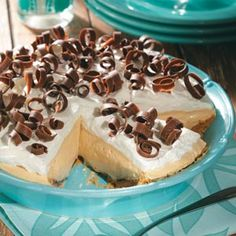 Dreamy Creamy Peanut Butter Pie ~ Serve Dad a piece of this pie as a perfect end to a perfect Father's Day!