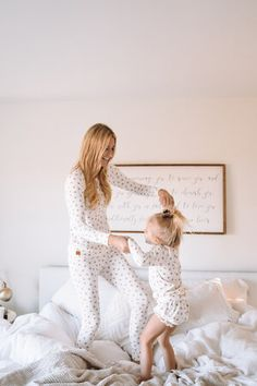 Matching Family Holiday Pajamas PJ's Jammies — The Overwhelmed Mommy Mommy Daughter Dresses, Mother Daughter Matching Outfits, Mommy And Me Outfits, Cute Outfits For Kids, Matching Family Holiday Pajamas, Matching Family Outfits, Matching Clothes, Kids Pjs, Kids Pajamas