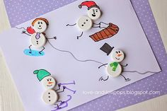 Sneeuwmannen skiën, sleeën, schaatsen. Kosteloos materiaal dopjes.