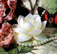 White Beeswax Lotus Flower Candle by catfishcreekcandles on Etsy, $7.00