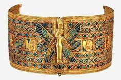 Antiguo Egipto The Goddess Isis, a very popular motif.