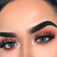 Everyone starts somewhere with makeup. While starting off with makeup can seem overwhelming, there's nothing to be worried about. These seven easy makeup tips get beginners. Can Makeup, Makeup Goals, Beauty Makeup, Hair Beauty, Concert Makeup, Pretty Makeup Looks, Best Makeup Tips, Aesthetic Makeup, Bridal Makeup