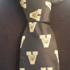 The #P5Neckwear Valdosta HS Wildcat neckties are representing for Bowtieitup.com. Will your school be next?  #Bowtieitup #PVneckwear #P5neckwear #P5design #Bowtie #Ascot #Silk #newlook #Store