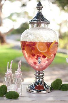 elegant way to serve a sparkling drink
