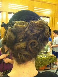 A #1940s #hairstyle from the #hair demonstration at #CincyMuseum 1940s Weekend! #vintage #retro #vintagehair #retrohair #vintagehat #1940shair