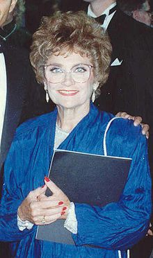 July 1923 - Estelle Getty an actress known for her role as Sophia Petrillo on The Golden Girls is born in NYC Estelle Getty, Merle Oberon, Sean Penn, Catherine Deneuve, James Dean, Golden Girls, The Golden Palace, Seward Park, Tv Moms