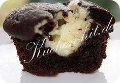 Rezept für einen Schoko Muffins Dieses Schokomuffins Rezept gehört zu einem meiner Lieblingensrezepte. Voller Schokolade und dazu eine leckere Mascarponefüllung. Diese Schokomuffins werden dazu auch noch sehr einfach hergestellt, Ihr braucht nicht einmal einen Mixer oder eine Küchenmaschine. Der Muffins Teig wird dazu auch noch ohne Butter zubereitet. Wer von Euch jedoch komplett auf Eier …