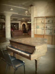 """""""City Museum, St. Louis, Missouri - I played that piano!!"""" (me too.)"""