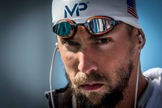 Michael Phelps walks out for the final of the 200 fly (photo: Mike Lewis, Ola Vista Photography)