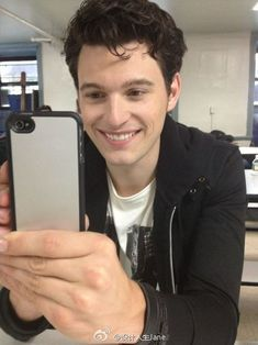 He's so fucking cute Beautiful Boys, Pretty Boys, Beautiful People, Luther, Bryan Dechart, Detroit Become Human Connor, Becoming Human, Poses, Perfect Man
