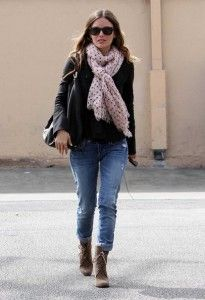 Rachel Bilson wearing an Ann Taylor Oversized Dot Cashmere Scarf #AnnHeartsFashion and #Fashion ♥ Love her!! Always sooo chic.