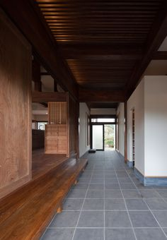 """Old Japanese timber house renovation"" Four generations in Chiba, Collaboration of more than 90 years over ""Project Overview"" ●Renovation project of housin. Japan Architecture, Modern Architecture House, Architecture Design, Japanese Modern House, Japanese Home Design, Japan Interior, Zen House, Prairie House, Entrance Design"