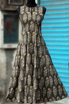 a perfect maxi dress in ash colour ajrakh with mughal butta in flowy style! this dress has mangalgiri fabric in the button and at the base within the dress! Kurta Designs Women, Kurti Neck Designs, Salwar Designs, Indian Gowns, Indian Outfits, Kalamkari Dresses, Casual Dresses, Fashion Dresses, Kurti Designs Party Wear