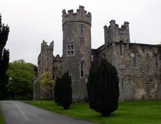 back to Howth Castle Finnegans Wake, Erin Go Bragh, Castle, Mansions, House Styles, Home Decor, Decoration Home, Manor Houses, Room Decor