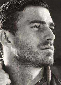 25 Grooming Tips For Men by Fraquoh and Franchomme Tarak Stubble Hot Men, Hot Guys, Le Male, Handsome Faces, Handsome Man, Hair And Beard Styles, Male Face, Good Looking Men, Perfect Man