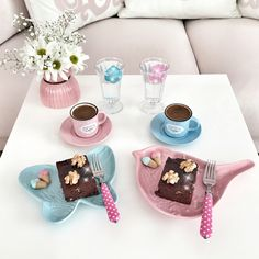 [New] The Best Home Decor (with Pictures) These are the 10 best home decor today. According to home decor experts, the 10 all-time best home decor. Coffee Love, Coffee Break, Hello Kitty Birthday, Cafetiere, Coffee Photos, Cute Wallpaper For Phone, Kinds Of Salad, Turkish Coffee, Natural Sugar